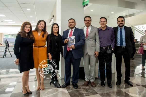 Veracruzanos presentan libro en Poder Judicial de la Federación
