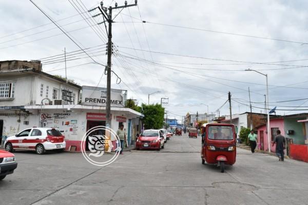 Taxistas de Texistepec enfrentan competencia desleal de mototaxistas