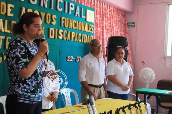 Entrega Yuleana Sánchez aparatos funcionales