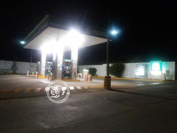 Guardia frustra robo en gasolinera de Ixhuatlán
