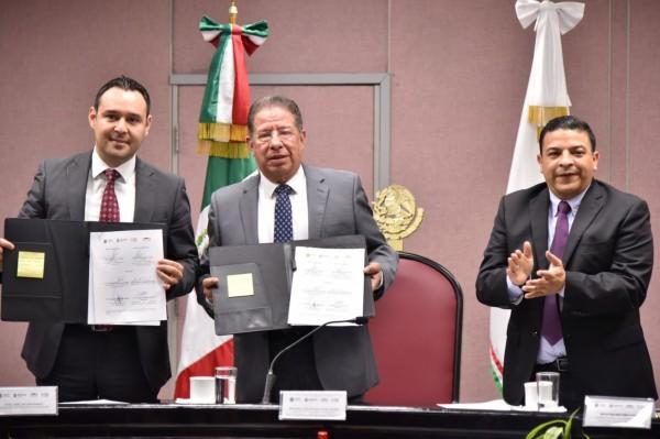 Firman Congreso y Sefiplan convenio para capacitar a servidores públicos