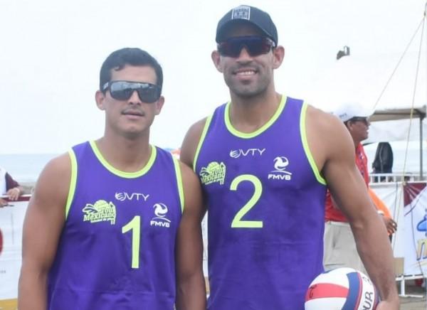 Medallistas hacen su presentación de Voleibol de Playa en Coatzacoalcos