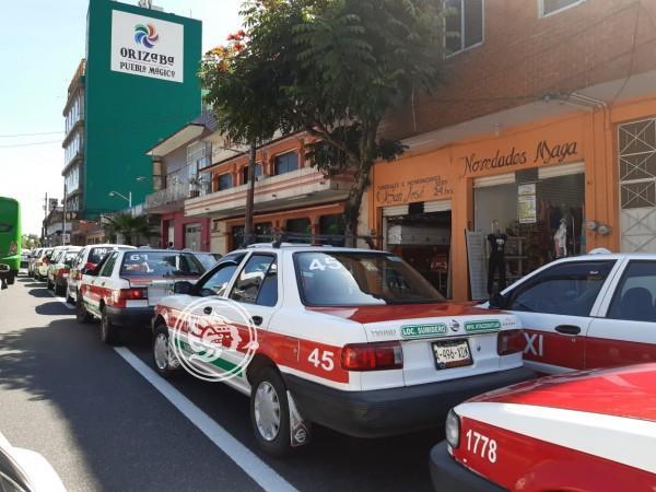 Nueva manifestación de taxistas en Orizaba