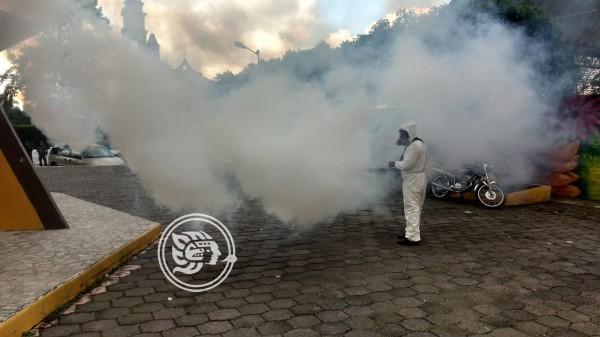 Tras alza en casos de dengue, inician fumigación en Ixhuatlancillo