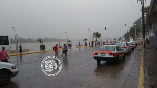 Afectaciones menores en colonias de Tuxpan tras lluvias