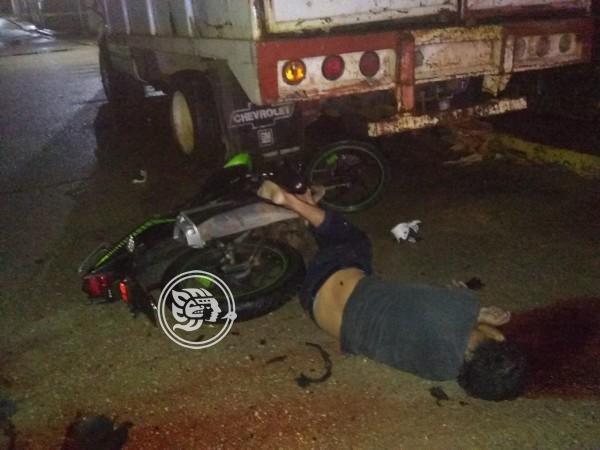 En Cuichapa, fallece motociclista en fatal accidente