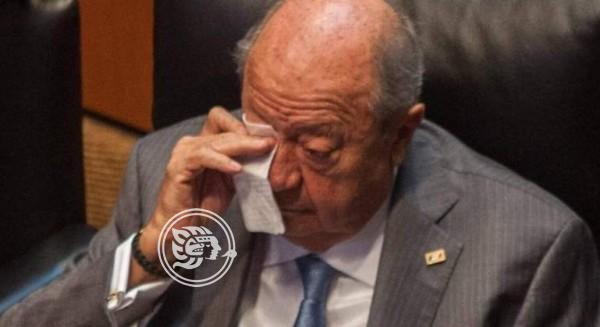 AMLO aprueba posible renuncia de Deschamps a sindicato petrolero