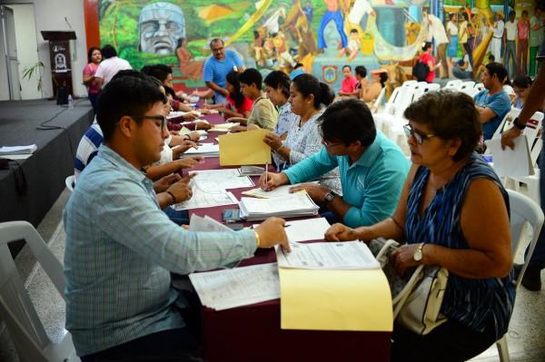 En Coatza, más de 600 estudiantes registrados para recibir becas