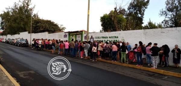 Tras acusaciones, cambian mesa directiva en primaria de Orizaba