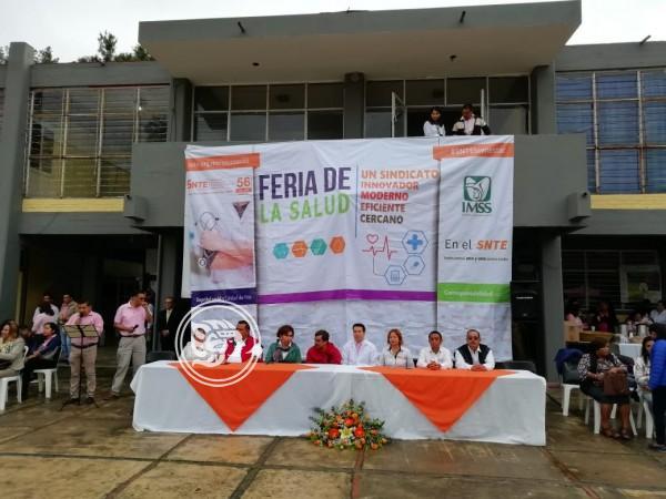 Realiza SNTE feria de la salud en Orizaba