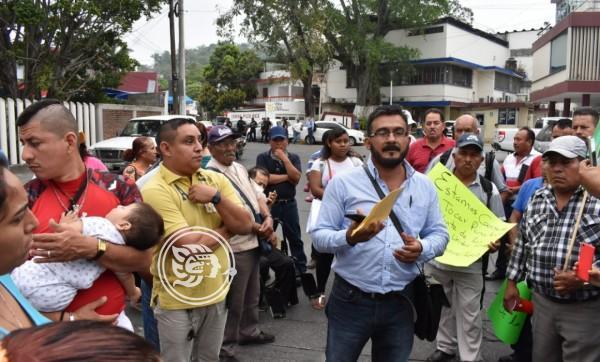 Acusan expolicías de Poza Rica falsificación de firmas