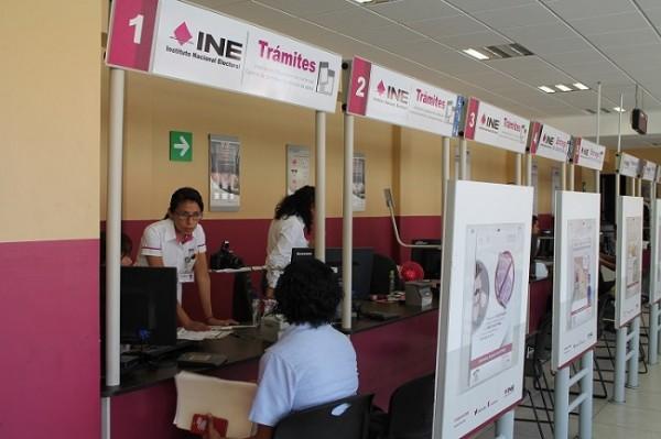 Llama INE a tuxpeños a renovar credencial para votar
