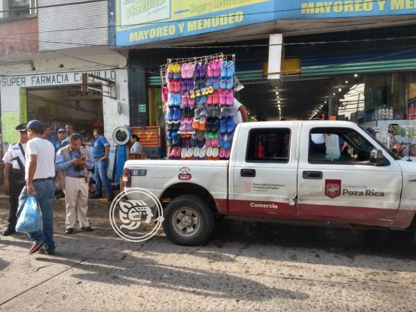 Desalojan a ambulantes del centro de Poza Rica