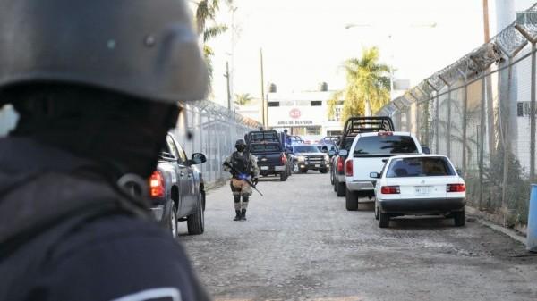 Cuatro de los 51 reos prófugos regresan a penal de Aguaruto