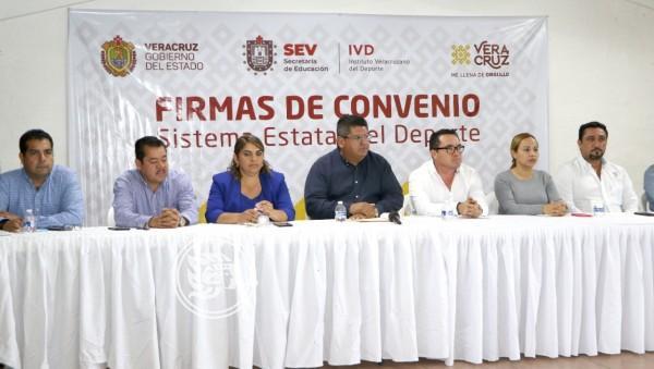 Firma IVD convenios con municipios del norte de Veracruz