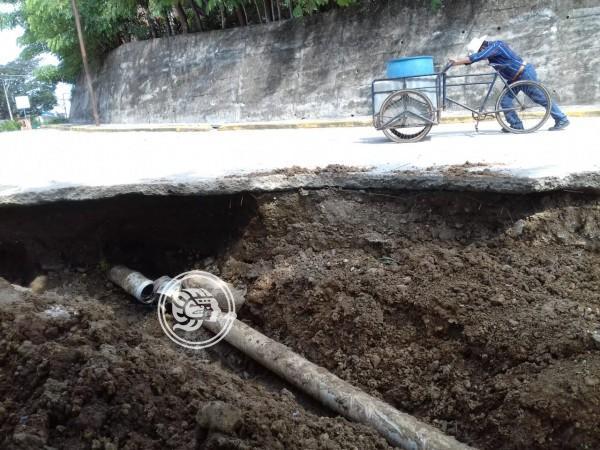 CAEV reparte agua contaminada en Jesús Carranza