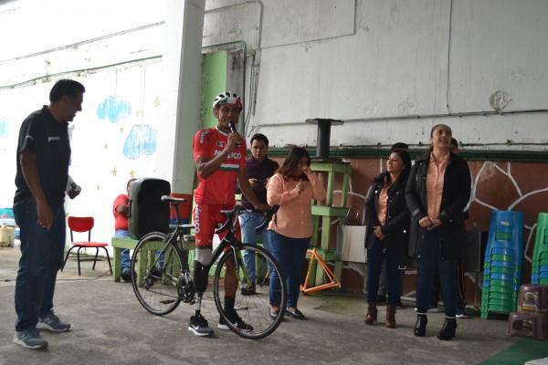 Busca paraciclista apoyos en su camino a Tokio 2020