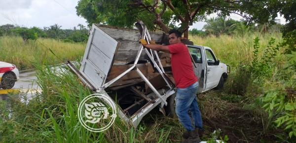 Repartidor se accidenta en la carretera Tonalá-Agua Dulce