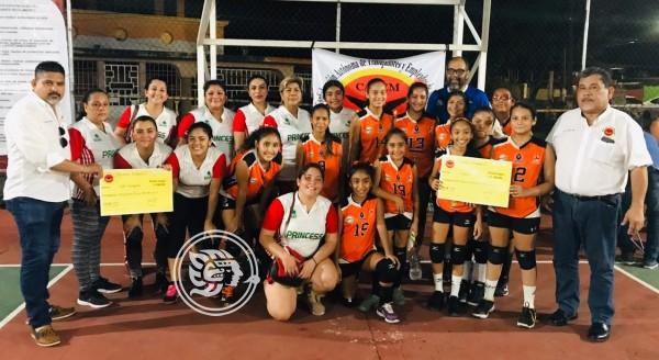 Leonas campeón del relámpago de voleibol femenil en Minatitlán