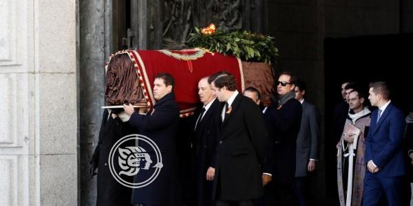 España exhumó restos de Franco 44 años después de su muerte