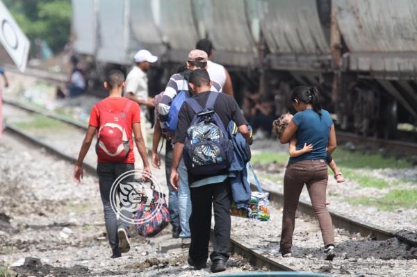 Frente fríos paralizan flujo migratorio en el sur de Veracruz