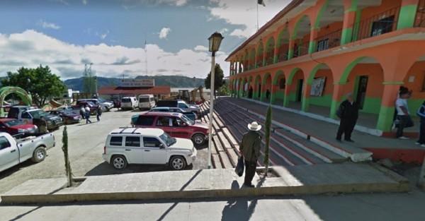 Obra de CFE en Astacinga afecta a vivienda