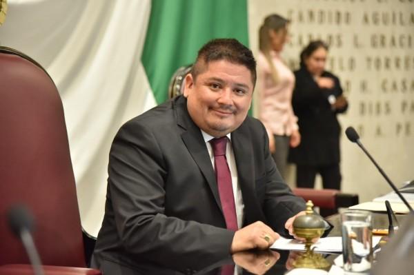 Marco jurídico moderno, gobernabilidad y equilibrio de Poderes, nuestro reto: Rubén Ríos