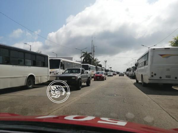Transportistas están a favor de operativos en Minatitlán