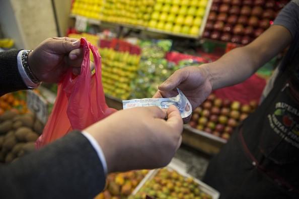 Inflación cumple y abre la puerta a nueva baja en la tasa de Banxico