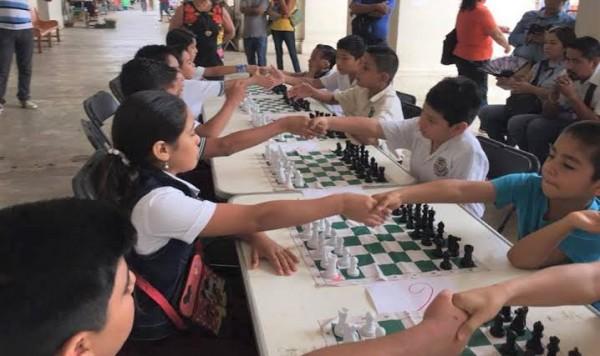 Ex alumno del CONALEP 2 busca fomentar el ajedrez en escuelas primarias