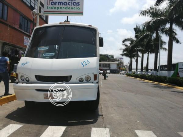 Transportistas tuxpeños exigen alza al pasaje