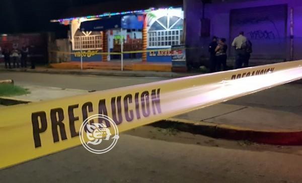De disparo en la cabeza asesinan a mesera de bar en Coatzacoalcos