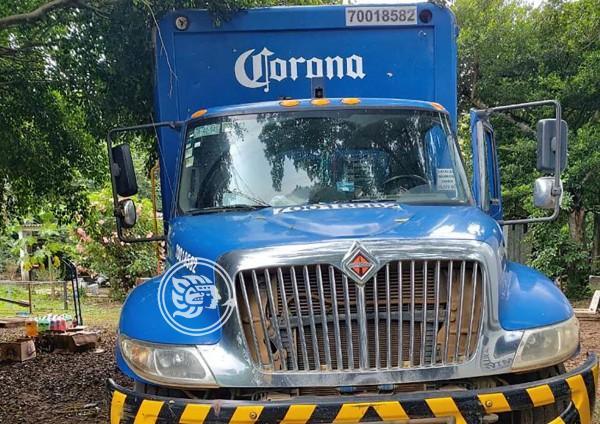 Asegura SSP camión de empresa cervecera en Acayucan