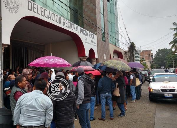 Protesta SNTE 32 en Poza Rica; toman oficinas de la SEV