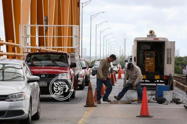 Reparan rejillas del puente Coatzacoalcos Uno