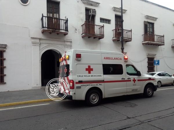 Obrero se accidenta al caer de catedral de Veracruz