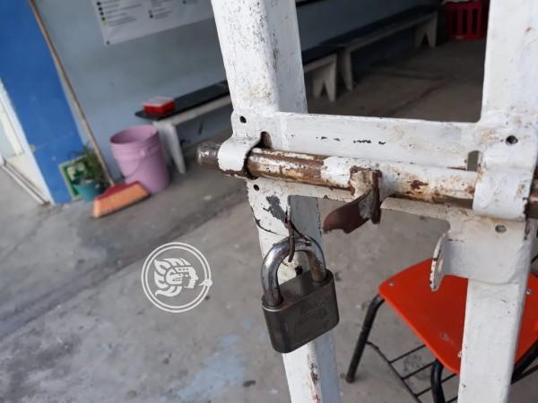 Roban dos primarias en Veracruz