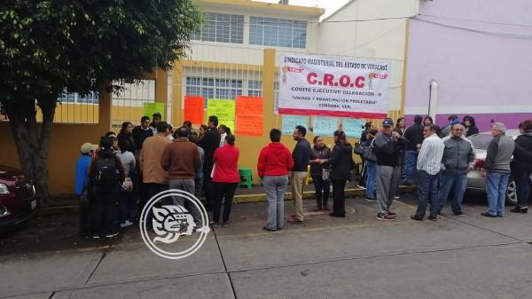Arrecia conflicto entre padres y maestros en primaria de Córdoba