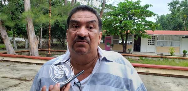Docentes dejan plazas tiradas plazas en Minatitlán y Chacalapa
