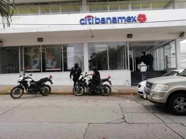 Pese a operativos de SSP, asaltan Banamex en Coatza