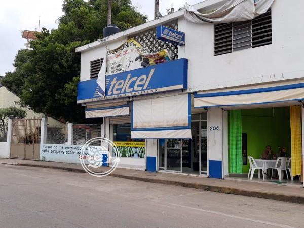 Violento robo a sucursal de telefonía en Acayucan
